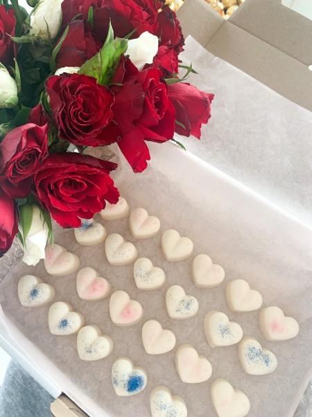 24 Herzen Soja Duftwachs viele Düfte in Geschenkverpackung