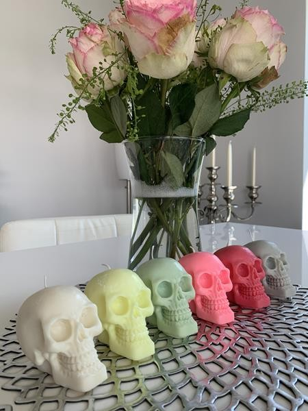 Duftkerze Totenkopf mit Duft zur Auswahl Sojakerze Handmade Schädel Duftkerze